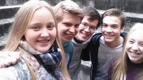 Für Euch in der Gemeinde aktiv: Eure Jugendtreff-Teamer das sind: Alice, Niels, Florian, Jann und Paula es fehlen: Charlotte und Lena
